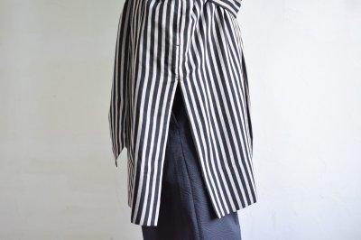 画像2: m's braque (エムズ ブラック) OVERSIZED STAND COLLAR SHIRTS COAT with belt [BLACK stripe]
