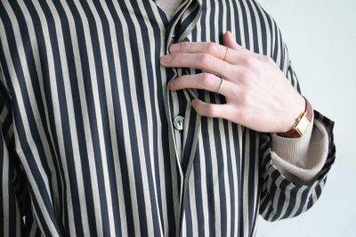 画像3: m's braque (エムズ ブラック) OVERSIZED STAND COLLAR SHIRTS COAT with belt [BLACK stripe]