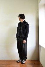 身長176cm、体重60kgの体型でサイズSの着用例