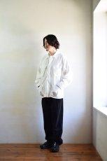身長176cm、体重60kgの体型でサイズMの着用例