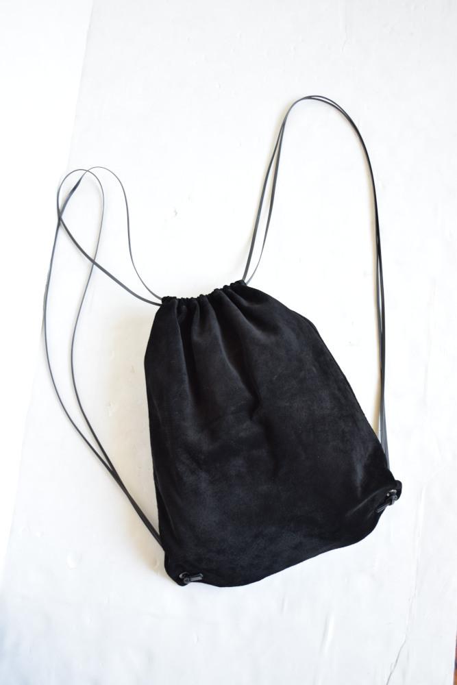 画像1: AUGUSTE-PRESENTATION (オーギュストプレゼンテーション) pig buckskin knapsack [BLACK] (1)