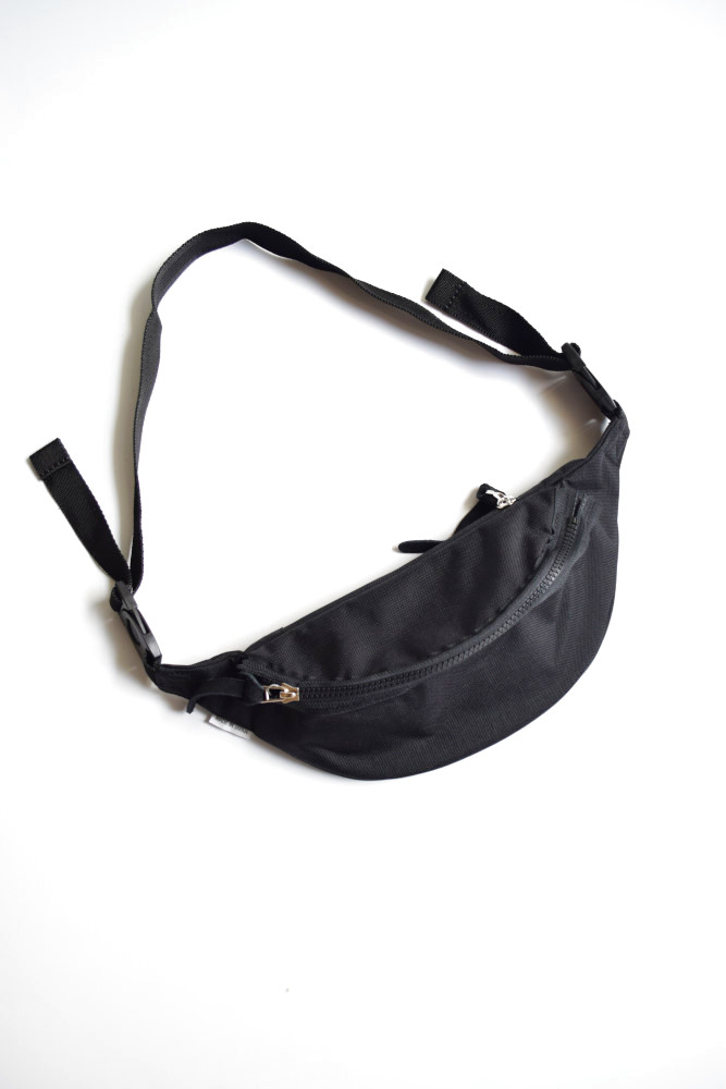 画像1: kiruna (キルナ) WAIST BAG [BLACK] (1)